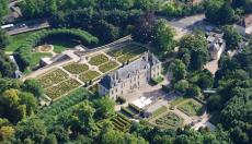 photo du Château d'Auvers-sur-Oise vue du ciel